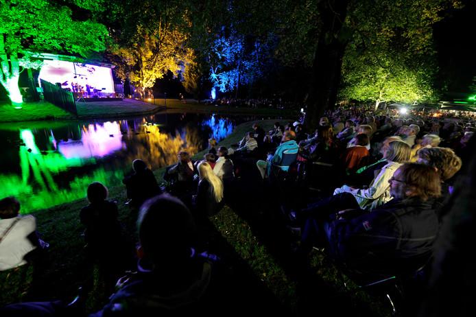 De muziekkoepel in het Prins Bernhardplantsoen is ook te bewonderen tijdens Monumentendag.