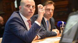 Advocaten van ouders Mawda overwegen klacht tegen Francken en De Wever