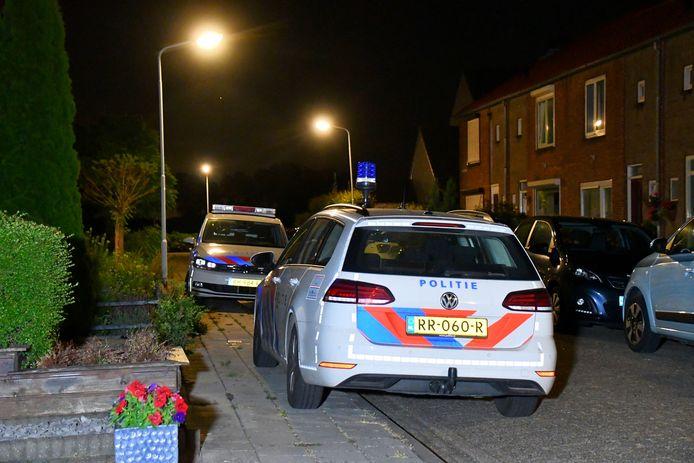 In de Marijkestraat in Hoek is afgelopen nacht iemand gewond geraakt toen hij beroofd werd van zijn telefoon.