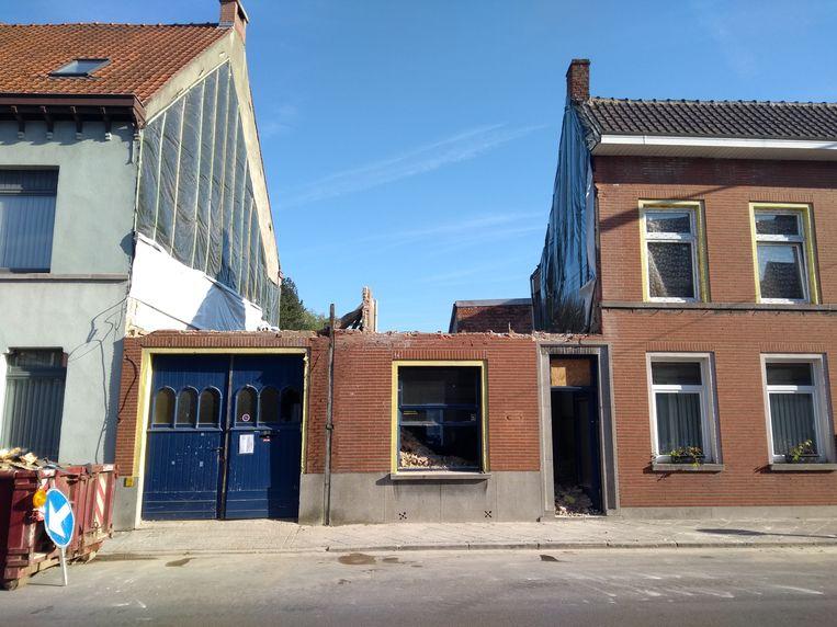 De afbraak van het gebouw aan de Kouter is volop aan de gang.