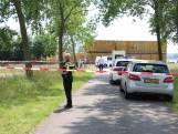 Dode in weiland bij Westdorpe; politie sluit misdrijf niet uit