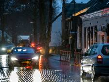 Zwaar verkeer zorgt voor gevaar en overlast in Cromvoirt en Helvoirt zeggen inwoners; volgens onderzoek blijft het binnen de norm