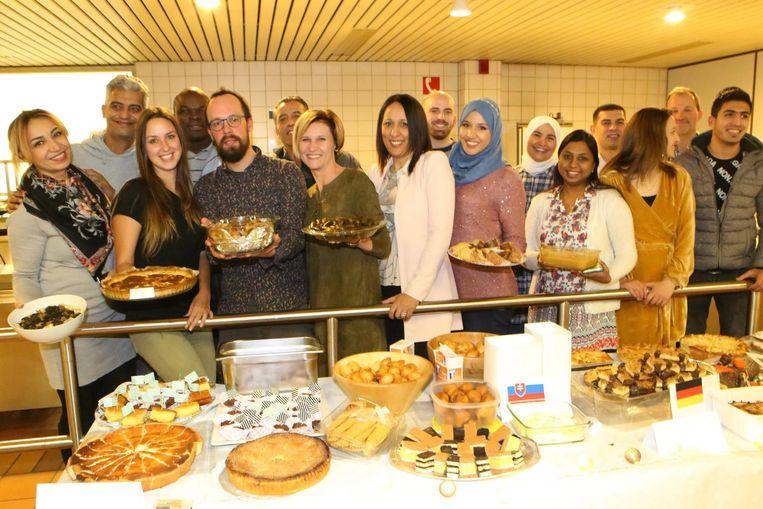 De cursisten NT2 vierden het Sinterklaasfeest met heel wat zoets.