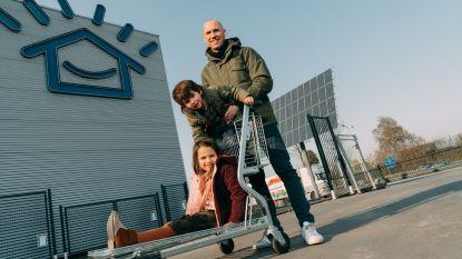 Zelfbouwmarkt verkoopt groene 'streekstroom' van eigen zonnepanelen rechtstreeks aan lokale consumenten