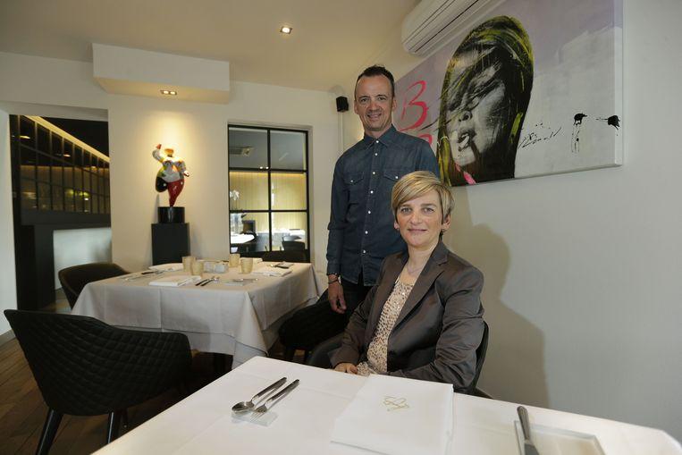 Luc Bellings en zijn vrouw in zijn vernieuwd restaurant.