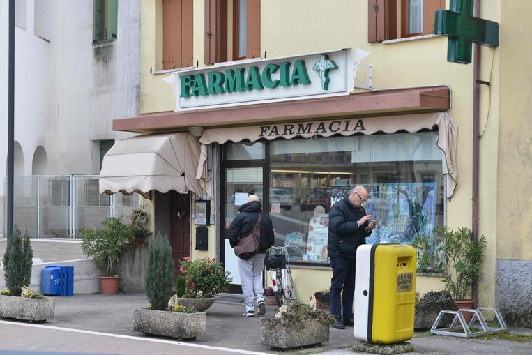 De landbouwer belde naar deze apotheek in  Vo' Euganeo.
