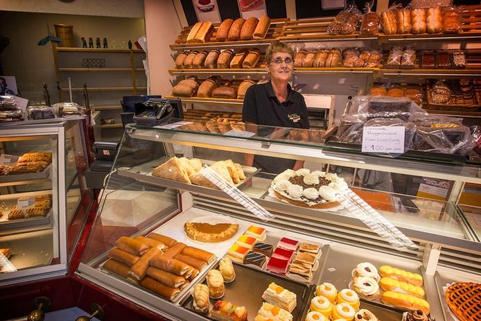 Joke Schepers bij een van haar bakkerijen in Nuenen