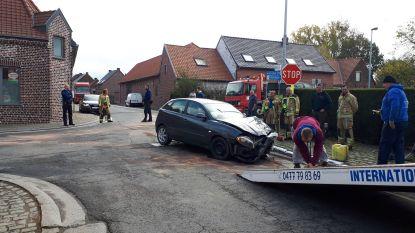 Pool op weg naar thuisland botst op kruispunt in Sint-Lievens-Esse