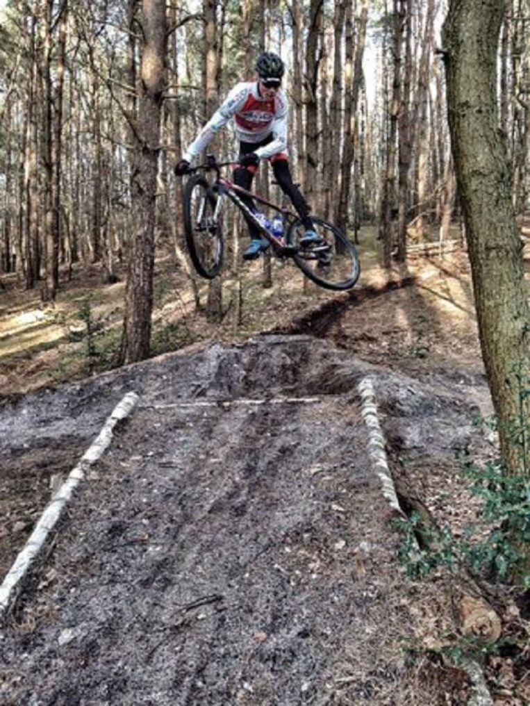 Mathieu Van der Poel op de mountainbike (archieffoto)