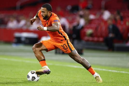 Memphis Depay in actie tegen Oranje.