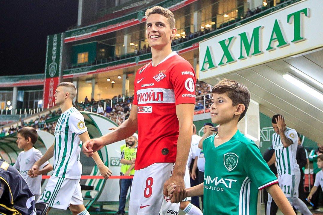 Guus Til vlak voor zijn debuut bij Spartak.
