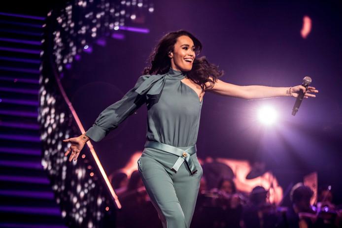 Romy Monteiro tijdens het Muziekfeest van het jaar in de Ziggo Dome in Amsterdam. Zaterdagavond 15 februari is ze in Arnhem.