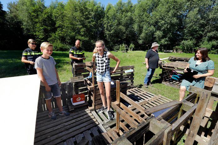 Esmee en Mees waren de winnaars van de eerste bouwweek.