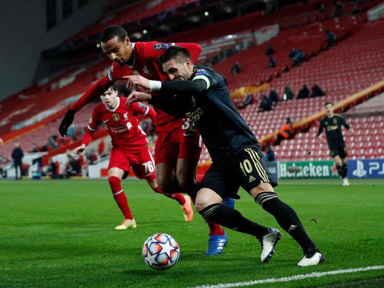 Bekijk hier hoe Ajax zichzelf tekort doet in kansrijk duel met Liverpool