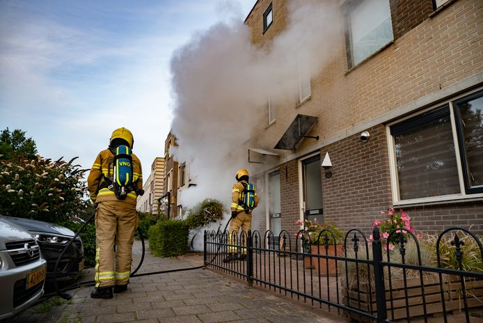 Een fiets werd ook in brand gestoken in de Lulofsstraat in Zutphen.