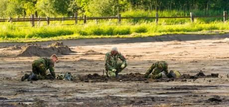 Twee oude bommen gevonden op een akker in Riethoven