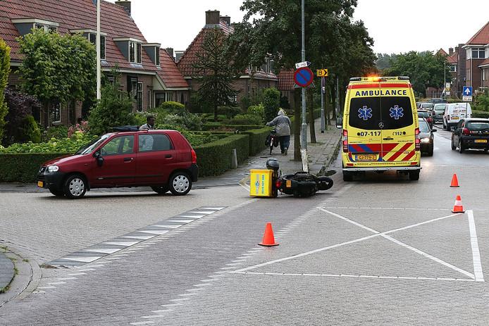 De ambulance aanwezig op de plaats van het ongeval.