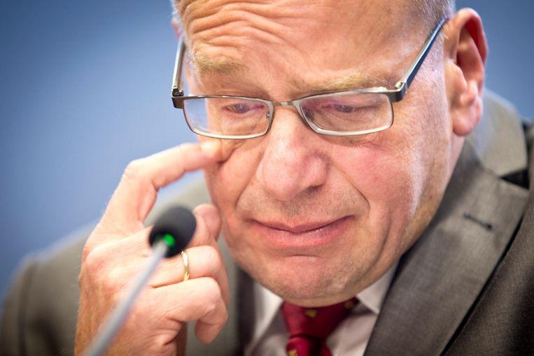 Staatssecretaris Fred Teeven van Veiligheid en Justitie tijdens de persconferentie waarin hij zijn aftreden aankondigt. Beeld ANP
