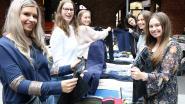 Jongeren verkopen inhoud van hun kleerkast
