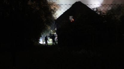 VIDEO. Beruchte 'drugsboerderij' in Zonhoven uitgebrand
