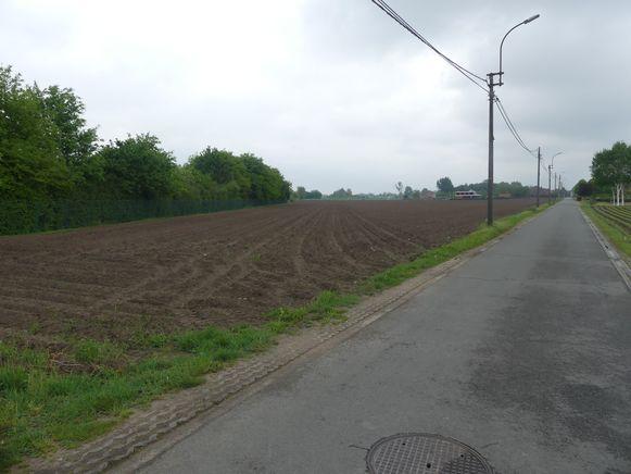 De parkbegraafplaats komt langs de Schipdonkstraat in Bache-Maria-Leerne.