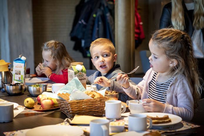 Kinderen van de Brede School uit Overdinkel bij het Nationaal Schoolontbijt van vorig jaar