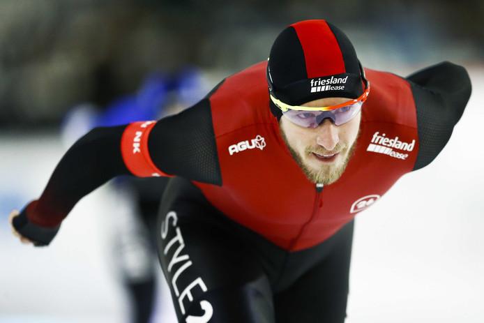 Jan Blokhuijsen in actie op de 5000 meter tijdens het NK Allround.