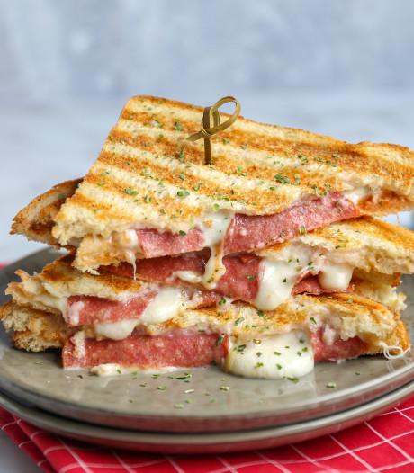 Wat Eten We Vandaag: Pizzatosti met salami