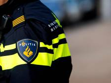 Politie verontwaardigd over automobilisten die file ontwijken via fietspad: 'We hebben je kenteken'