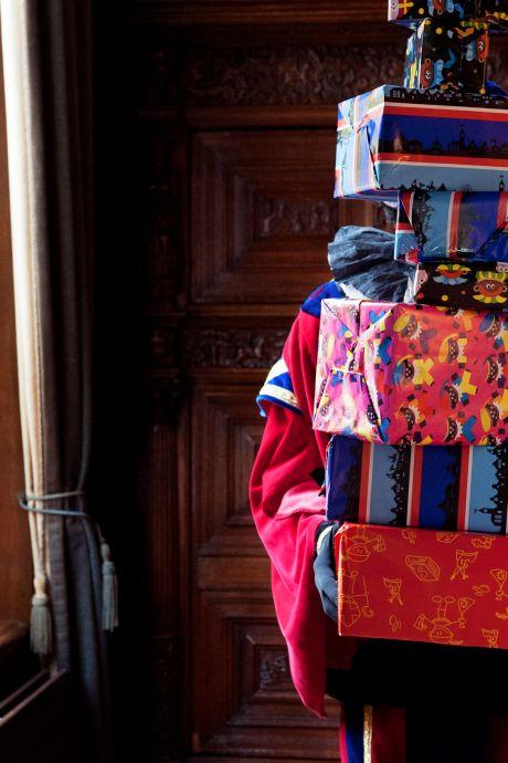 Den Haag rekent af met Zwarte Piet: 'Dit maakt me diep gelukkig'