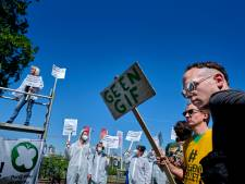 Demonstranten: 'Liever Chemours lozen dan gif lozen'