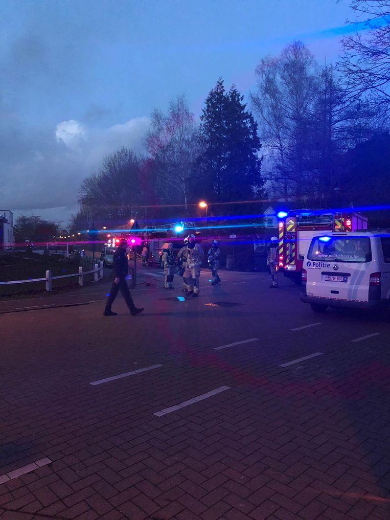 Politie en brandweer kwamen al gauw ter plaatse.