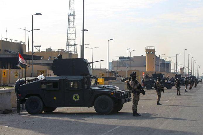 Trois attaques distinctes ont ciblé des infrastructures militaires ou diplomatiques occidentales en Irak au cours des dernières 24 heures.