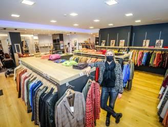 """""""Laat shoppers alsjeblieft samen winkelen"""" Modeverkoopster schrijft open brief naar ministers"""