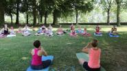 Kinderen genieten van Yogadag