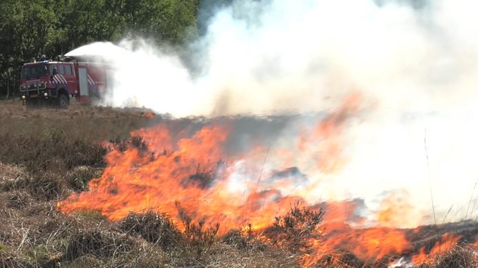Natuurbrand op de Ginkelse Heide.