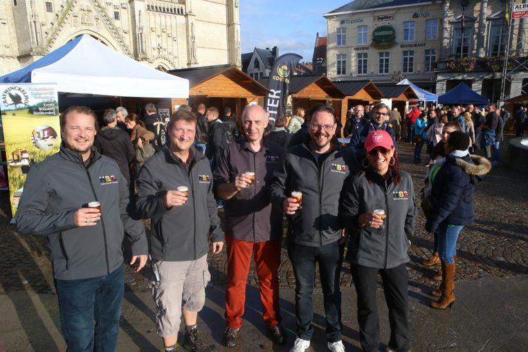 De leden van de Hagelandse Bier Genieters zetten dit jaar enkele Geuze-bieren in de kijker.