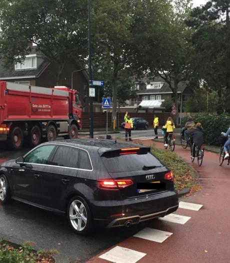 Wassenaar ten einde raad over onmogelijk kruispunt Rozenplein