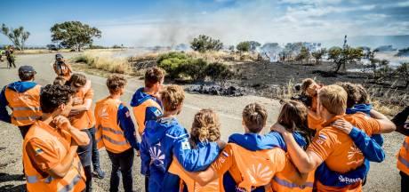 Emie uit Zieuwent ziet haar zonneauto in vlammen opgaan: 'Veertien maanden werk, 70 uur per week, brandt zo voor onze neus weg'