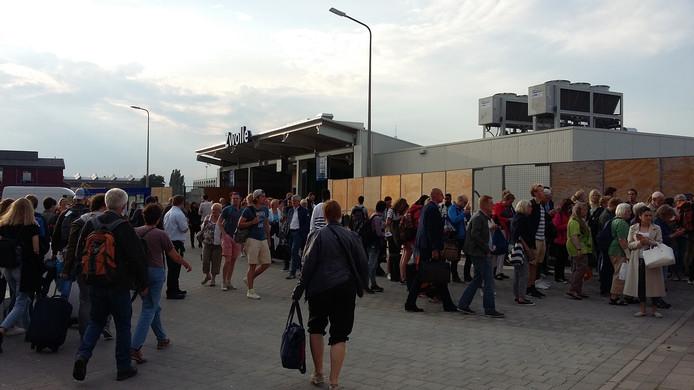 De NS-poortjes in Zwolle zorgde voor veel chaos donderdagavond