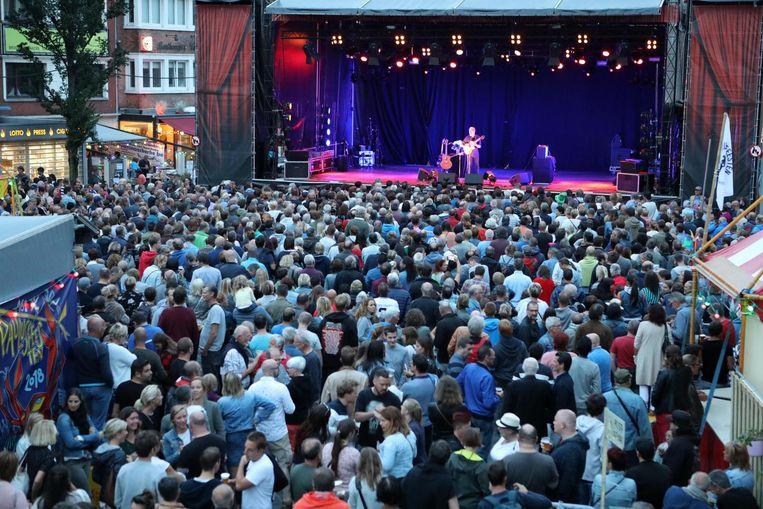 'Pier en Pol' liep zaterdagavond aardig vol voor het optreden van Luka Bloom.