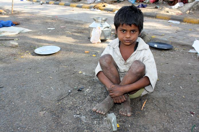 Jongerengroep Axel helpt arme kinderen in Mumbai.