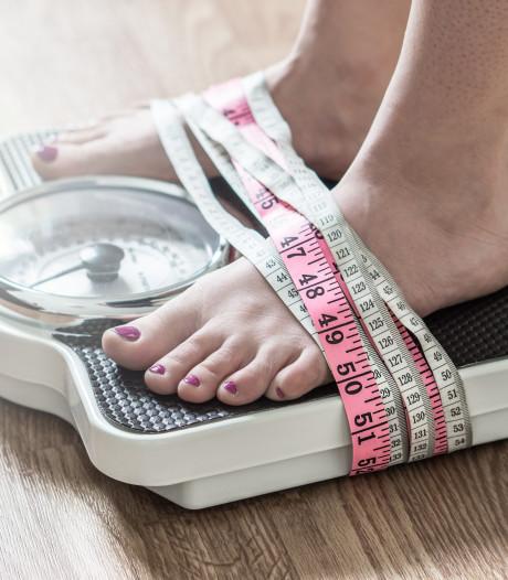 Anorexiapatiënte (19) ligt al anderhalf jaar vastgebonden in bed in kliniek