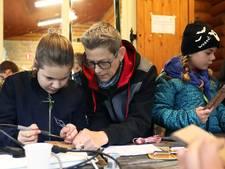 Lijntje door ether blijft spannender dan via internet voor scouts Neede