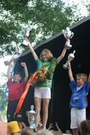 Lenneke ten Böhmer wint in 2010 als eerste meisje de Tour de Schalkwijk en verslaat daarbij ook de jongens.
