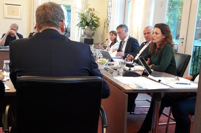 Wethouder Stefanie Vatta antwoordt vragen vanuit de Oisterwijkse gemeenteraad