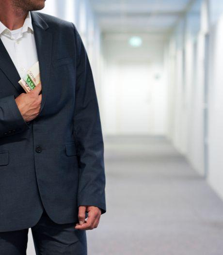 Corrupte ambtenaar gemeente Rotterdam moet 14 maanden de cel in