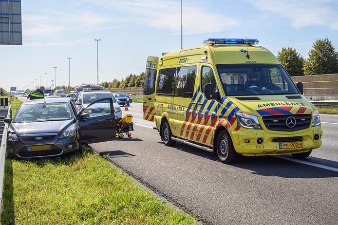 Man gereanimeerd op A16 bij Prinsenbeek.