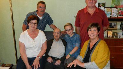 """Urbain (107), tweede oudste man van België, overleden: """"85 jaar lang rookte hij, maar hij is altijd zelfstandig blijven wonen"""""""