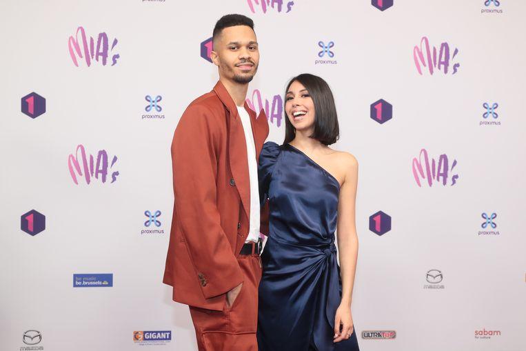 MIA - Mia's - music industry awards - VRT - rode loper - Danira Boukhriss Terkessidis en vriend